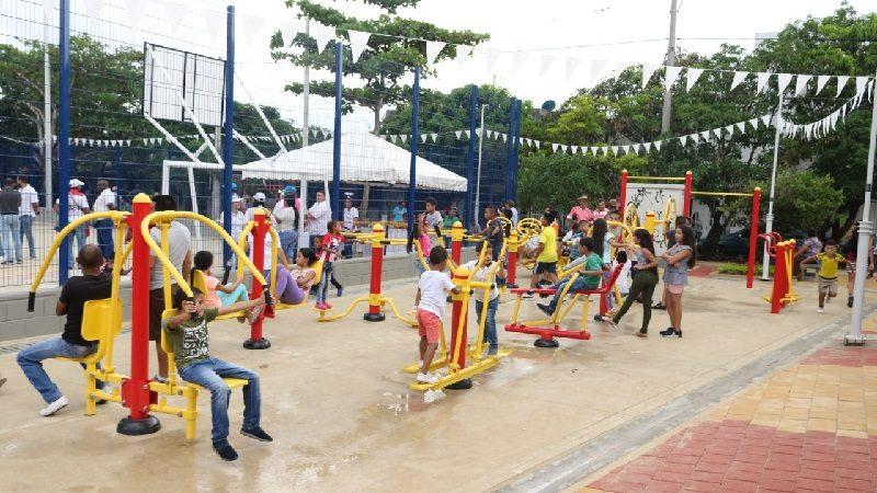 Habitantes de Los Balcanes en Soledad estrenan moderno parque recreodeportivo