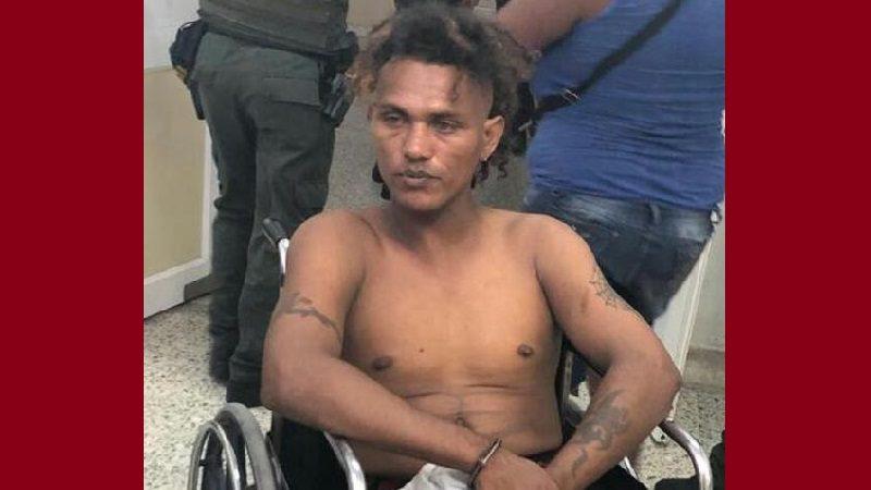 Hombre con detención domiciliaria andaba armado por las calles del barrio Rebolo
