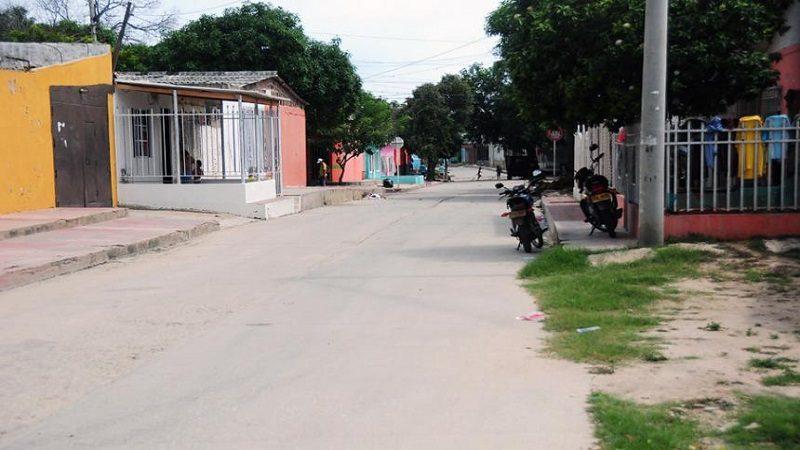 Mujer con 11 puñaladas fue abandonada por un taxi en el barrio Montes