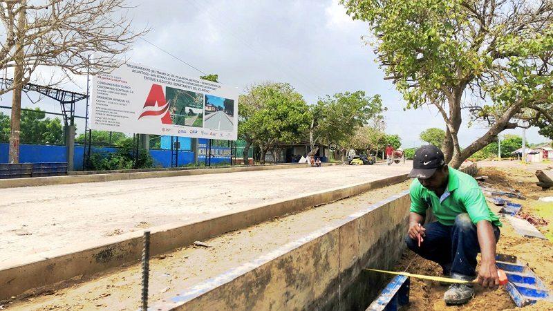 Obras de pavimentación de vía que une a Atlántico y Bolívar, avanzan en un 25%