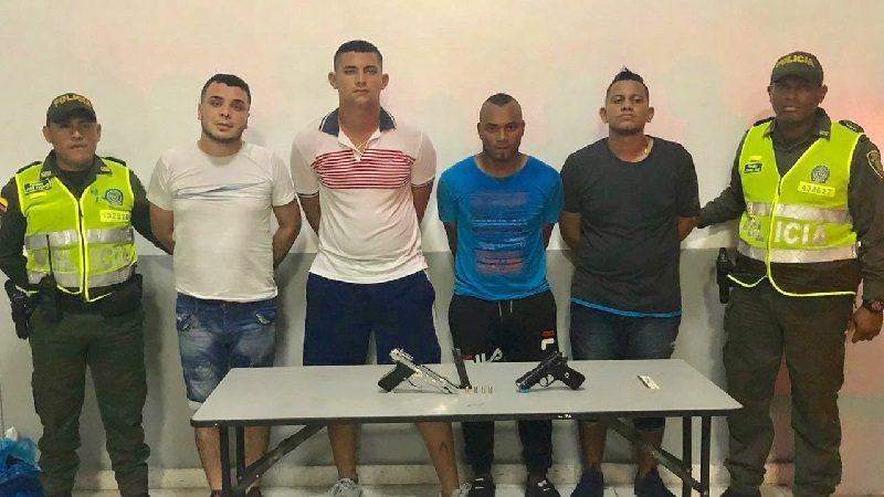 Se robaron un taxi y se enfrentaron a tiros con la Policía en el barrio El Prado