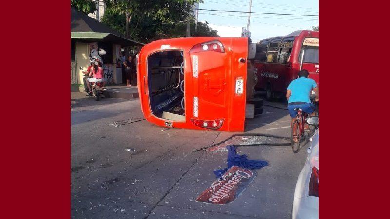 Siete personas heridas dejó accidente entre dos busetas en el barrio Los Andes