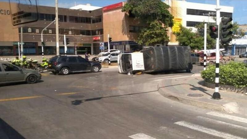Un herido deja aparatoso accidente en la calle Murillo