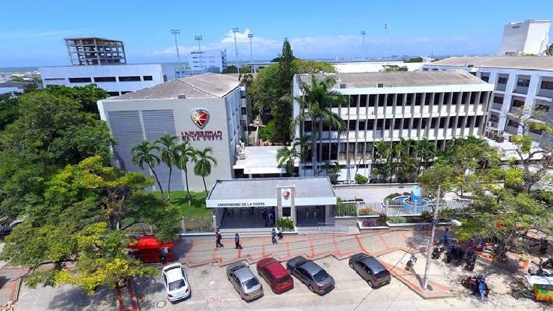 Universidad de la Costa llega a 48 años formando profesionales líderes que impulsan el desarrollo regional