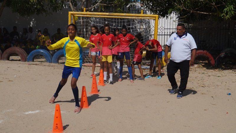 A través del fútbol, 120 niños de Soledad se convierten en agentes de paz y reconciliación