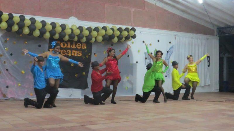 Adultos mayores del 'Escuadrón D' participan en Fashión Show de modelaje, en Malambo