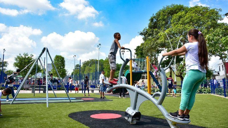 Alcalde Char entregó el remodelado parque Salcedo en el barrio Ciudadela 20 de Julio