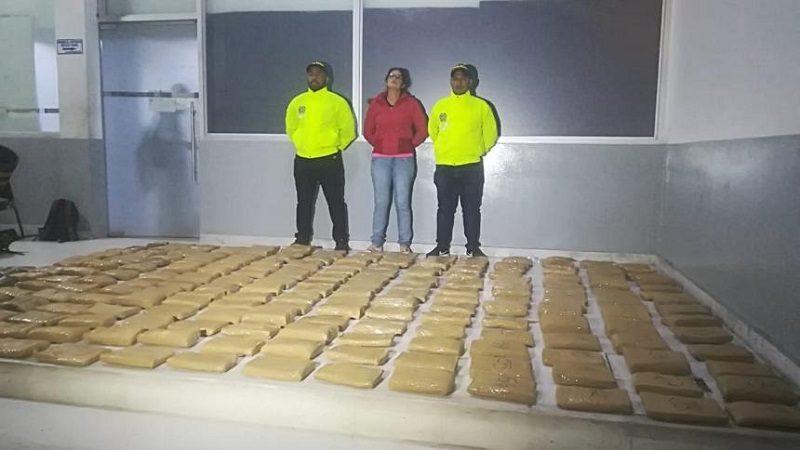 Cae mujer con 117 kilos de marihuana en el barrio Las Nieves