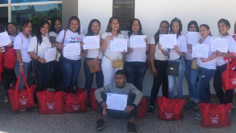 Clausuran programa 'Escuela de Belleza en tu casa', en Malambo
