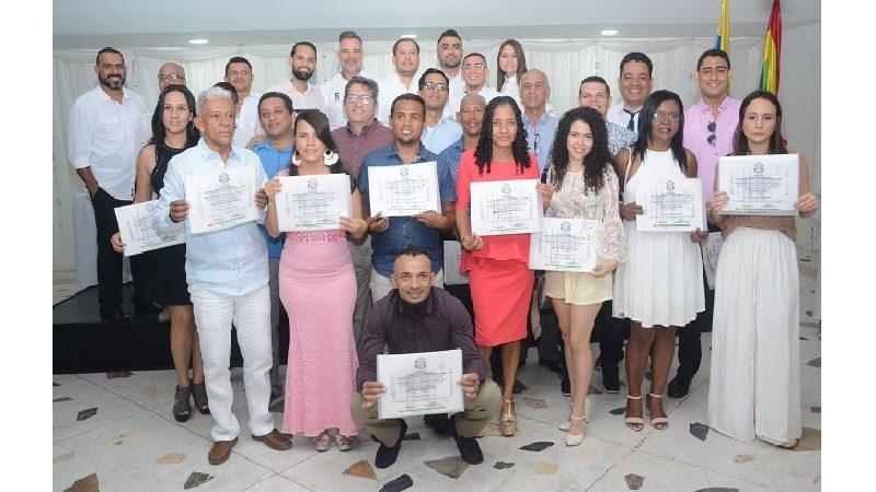 Con homenaje al coreógrafo Pedro Díaz, la EDA graduó a 363 nuevos técnicos laborales