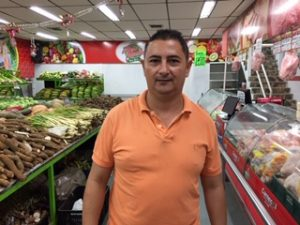 Reinauguran Carnecol del barrio San José, con precios especiales en cenas navideñas 3