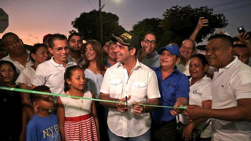 Alcalde Char entregó 2.3 kilómetros de vías pavimentadas en Carrizal y Santo Domingo