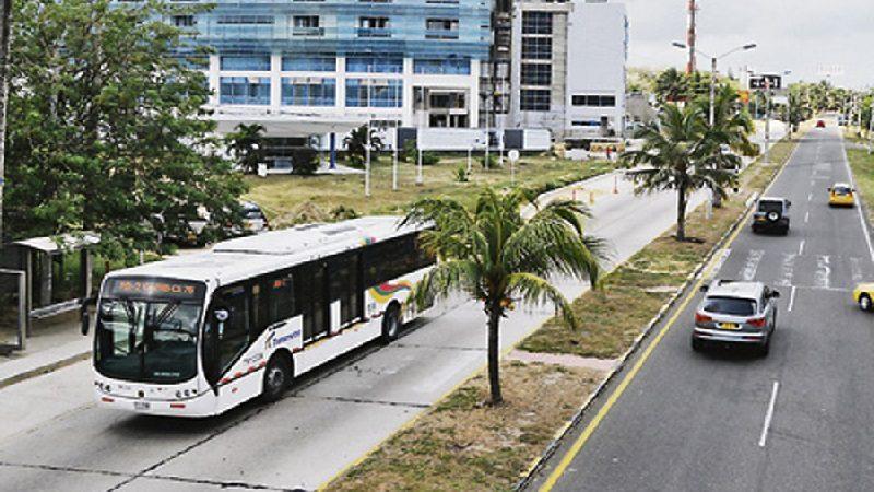 Atracan bus de Transmetro y hieren a un pasajero en el corredor universitario