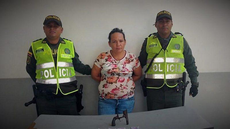 Cae mujer cuando robaba a clientes de Sao 93