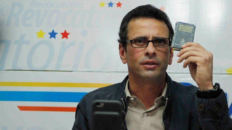 Capriles pide a Maduro que reconozca a Guaidó como presidente