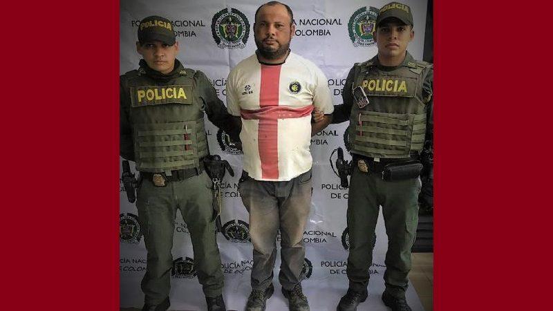 Capturan a hombre señalado de caerle a patadas a su hijo de cinco años, en el barrio La Chinita