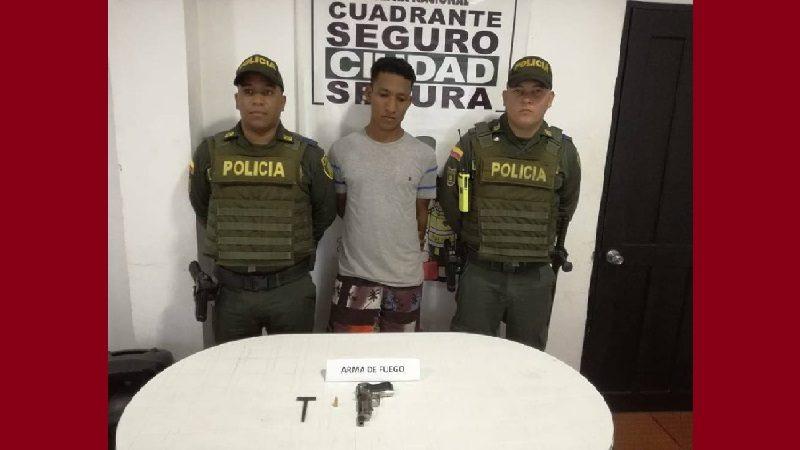 Capturan a un hombre armado en el centro de Campo de la Cruz