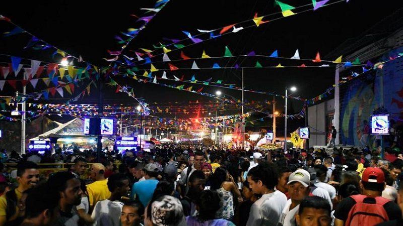 Distrito autoriza consumo y venta de licor en espacio público, solo para eventos de carnaval