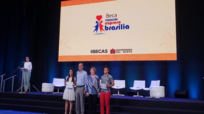 Fundación Expreso Brasilia entregó nuevas becas educativas
