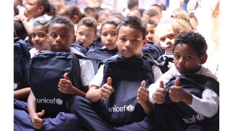 Unicef dona kits escolares a 1.600 estudiantes de Soledad