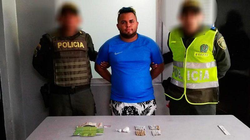 Capturan a hombre en el barrio Rebolo, con una pañalera llena de droga
