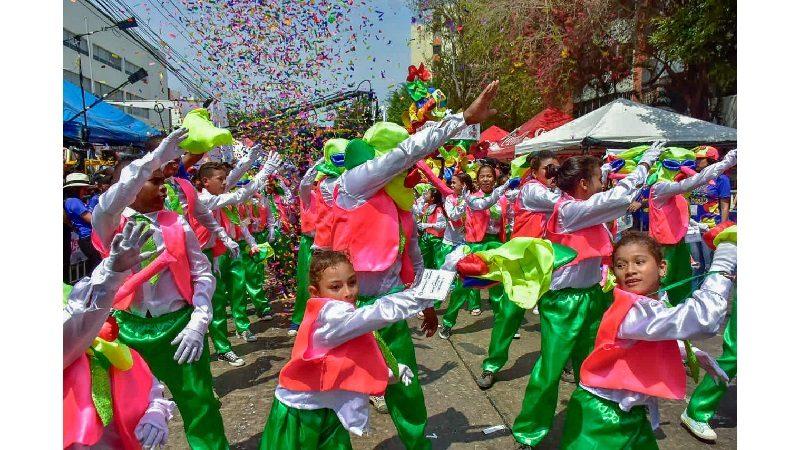 Con alegría y lágrimas de emoción, 'Trabajando por los Niños' se gozó el Carnaval
