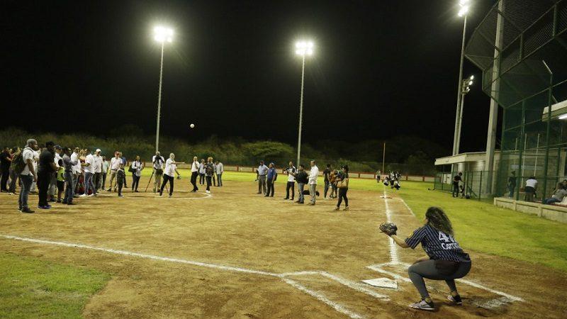 Municipio de Puerto Colombia estrena moderna cancha de sóftbol, construida por la Gobernación