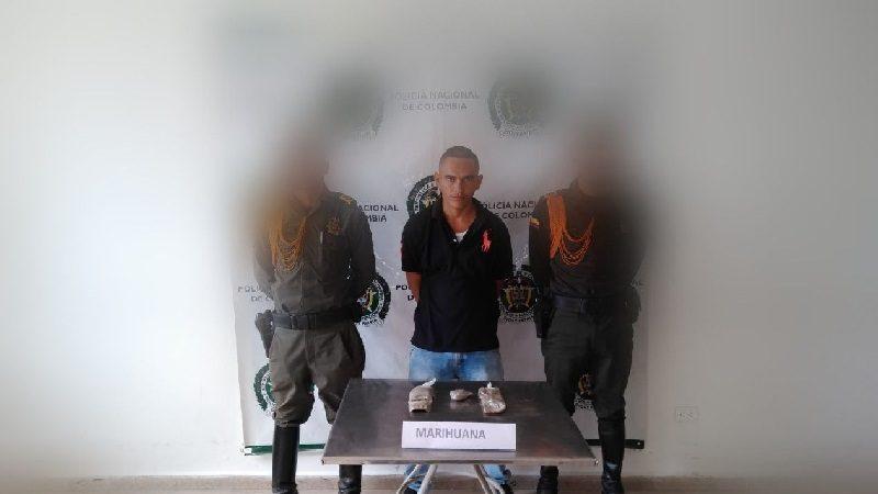 Perro-policía delata a hombre que llevaba paquete de marihuana en un bus, en Baranoa