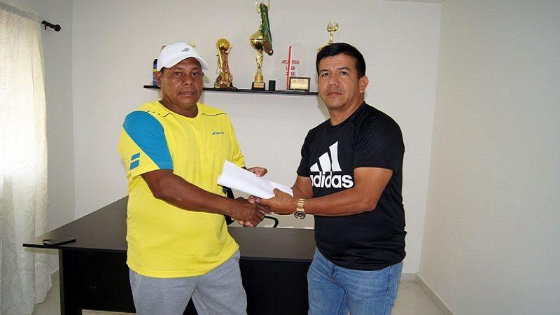 Alcaldía deMalambo entrega aporte económico al tenista paralímpico, Eliecer Oquendo