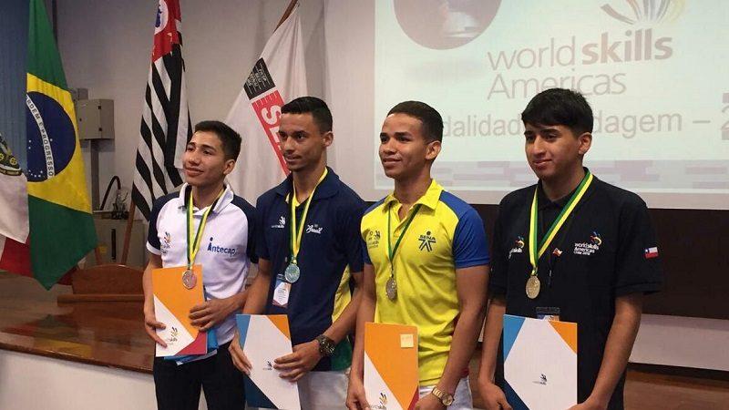 Aprendiz del SENA Atlántico gana medalla de plata en Brasil