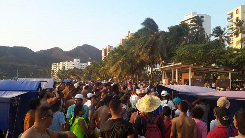 Carperos y bañista se van a los golpes en El Rodadero, Santa Marta