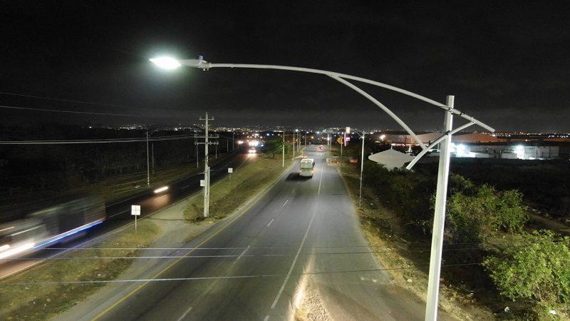 Con 500 lámparas led iluminan la vía Cordialidad, en el municipio de Galapa