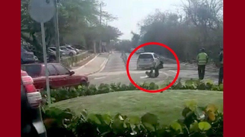 Conductor fuera de control arrolla a Policía en el corredor universitario