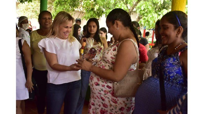 Distrito rinde homenaje a madres gestantes y lactantes de primera infancia