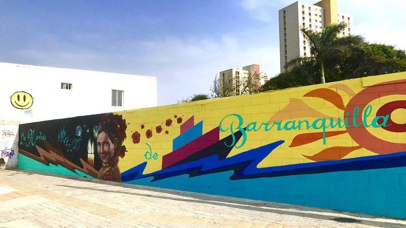 Locura de colores en la carrera 50 con mural que rinde homenaje a Esthercita Forero ok