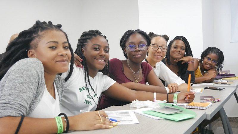 Misión académica de estudiantes franceses llega a Universidad de la Costa
