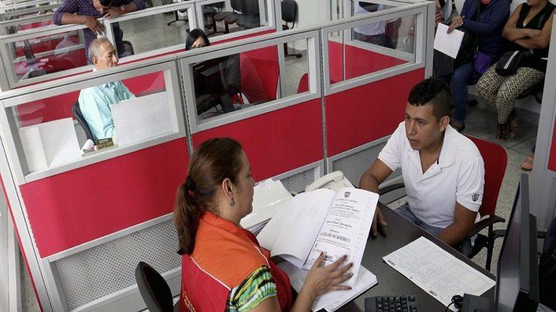 Últimos días para inscribirse en tres convocatorias de empleo público en el país
