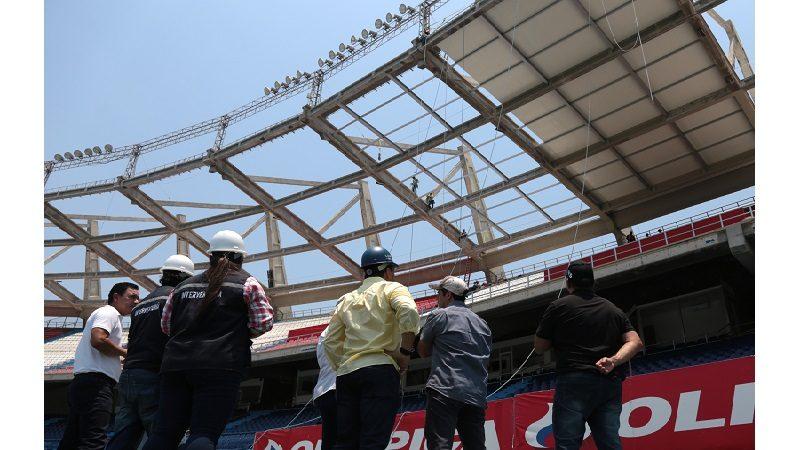 Avanza instalación de nueva cubierta en el estadio Metropolitano