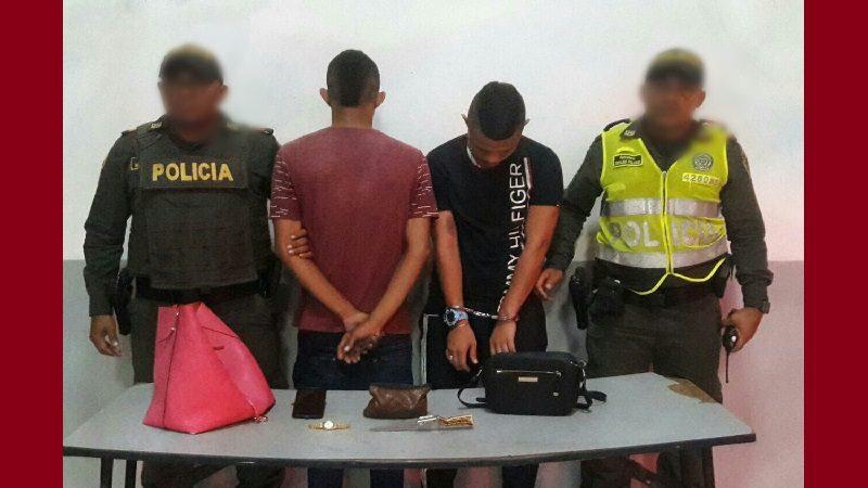 Capturan a dos atracadores que acababan de robar a una mujer, en el barrio los Andes