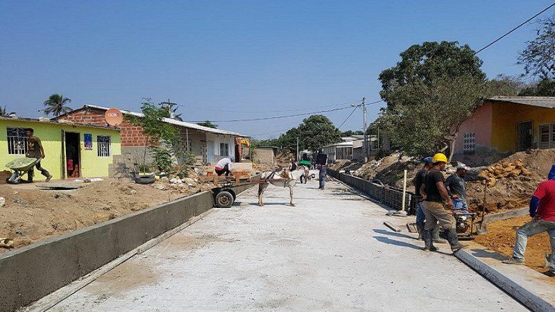Construcción de alcantarillado y vías en el barrio San Sebastián de en Malambo avanza en un 75 %