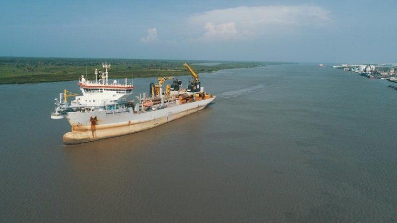 Empresa holandesa dragará canal de acceso al puerto de Barranquilla