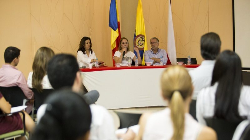 Gobernación y Artesanías de Colombia, comprometidos con fortalecimiento del sector artesanal del Atlántico