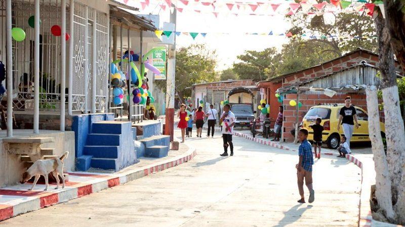 Moradores del barrio Evaristo Sourdis estrenan 1.7 kilómetros de vías pavimentadas