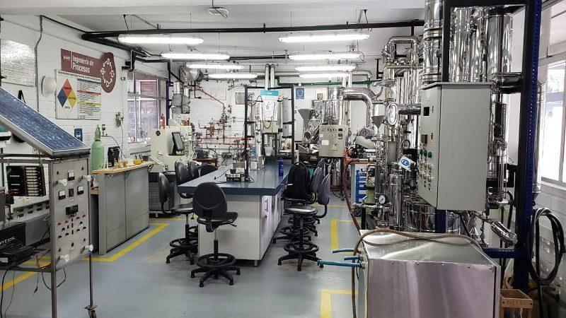 Avanza dotación de edificio 'inteligente' de laboratorios en Uniatlántico