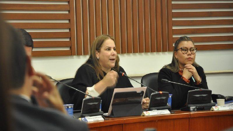 Congresista Villalba da 'jalón de orejas' al Fondo de Adaptación por viviendas inconclusas en el Atlántico