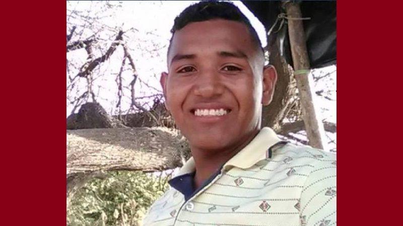 De dos tiros lo matan en la terraza de su casa en el barrio Los Rosales