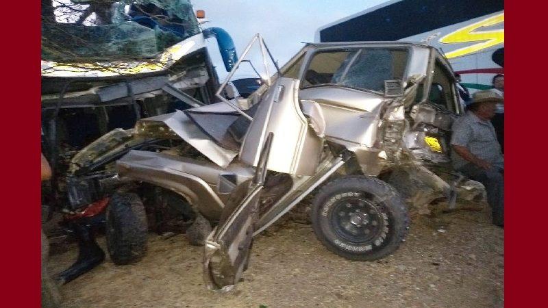 Dos muertos y al menos 20 heridos deja aparatoso accidente de tránsito en la Guajira