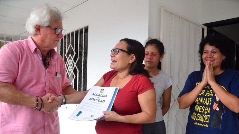 Supernotariado, Minjusticia y Minvivienda acompañan entrega de escrituras en Soledad
