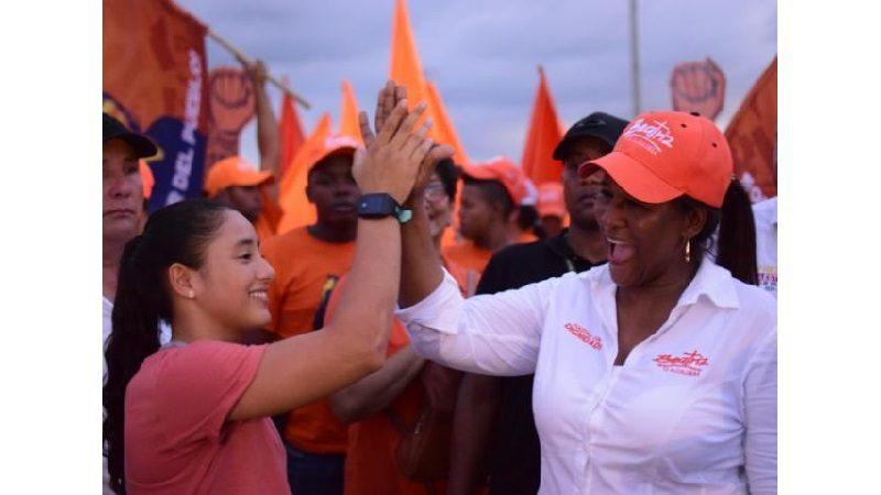 Beatriz Barraza le apunta a potencializar el deporte en Soledad