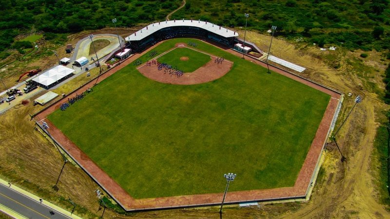 Municipio de Manatí estrena moderno estadio de béisbol: Gobernación invirtió $12.500 millones